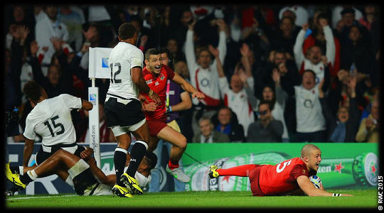 England v Fiji Mike Brown try RWC 2015
