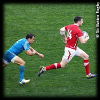 Italy Wales Alex Cuthbert try Gonzalo Canale